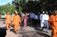 Swami Jitakamanandaji escorting the guests towards the auditorium